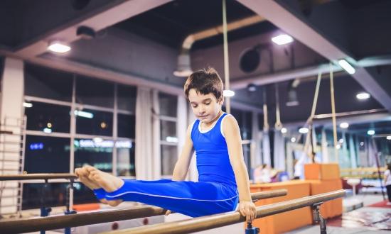 sideimg-beginner-to-advanced-gymnastics-classes-for-boys